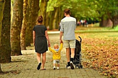 赤ちゃん 初めてのお散歩