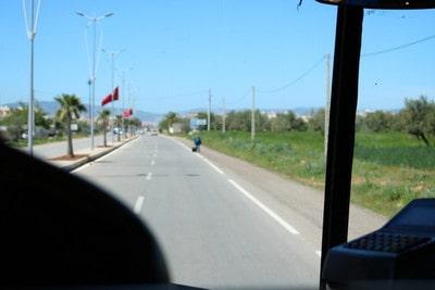 バスでフェズ空港からメディナに行く方法