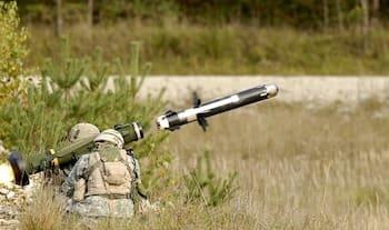 パレスチナにミサイルを撃つイスラエル