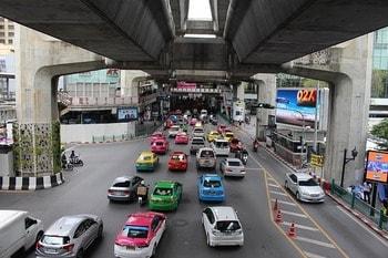 スワンナプーム空港からタクシーで市内に移動する方法
