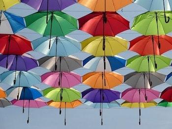 アゲダ 傘祭り