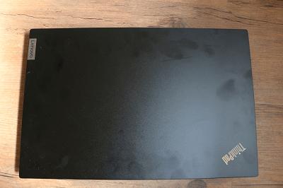 ThinkPadの外観・指紋が付きやすい