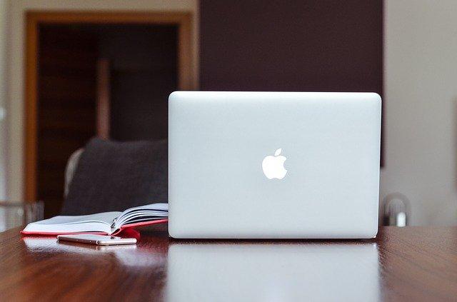 大学生におすすめのノートパソコン Macbook Air
