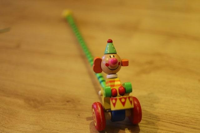 ドイツで人気 木のおもちゃ