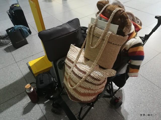 ベビーカー 空港での使用