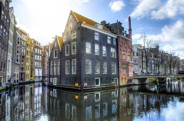 オランダのワーキングホリデーの持ち物