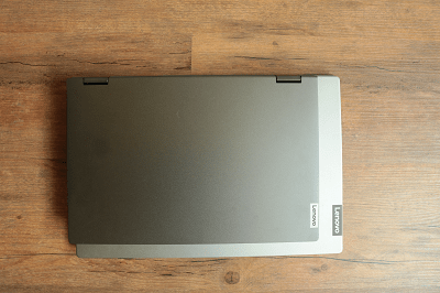 Lenovo Ideapad flex 550・15.6型と14型のサイズ比較
