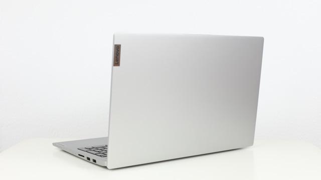 Lenovo Ideapad Slim 550 AMD 14 背面
