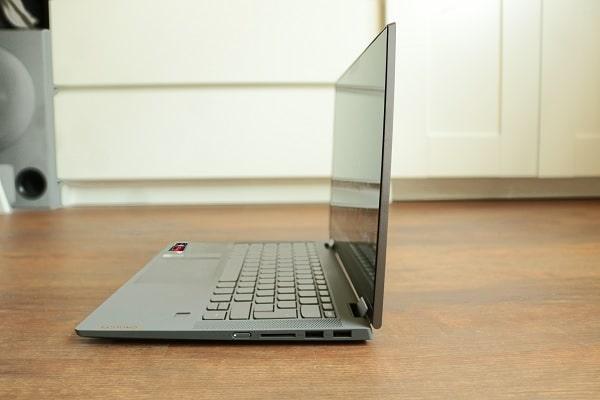 Lenovo IdeaPad Flex 550 14 AMD 横から