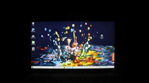 Lenovo Ideapad slim 550i ディスプレイ正面から撮影