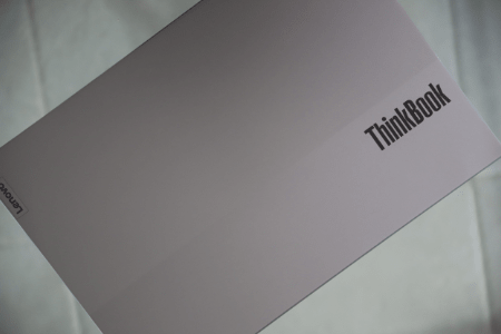 Lenovo Thinkbook 14 Gen 2の天板