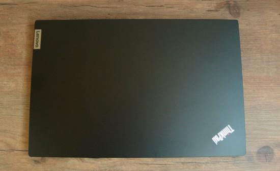 Lenovo ThinkPad E15 Gen 2の天板