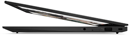 Lenovo ThinkPad X1 Carbon Gen 9の外観 半分開いた状態の右側面