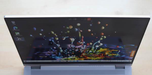 Lenovo IdeaPad Flex 550 15.6型(AMD Ryzen 5000シリーズ)のディスプレイ 上からの視野角