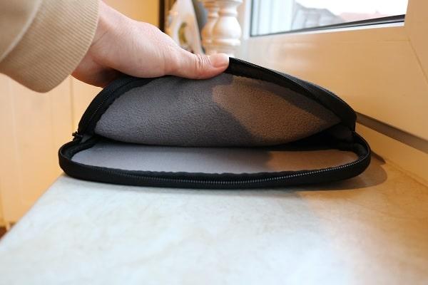 ThinkPad 13インチ スリーブケースの内部素材