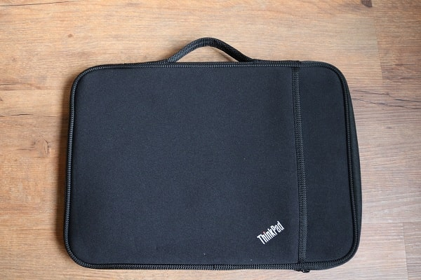 ThinkPad 13インチ スリーブケース正面