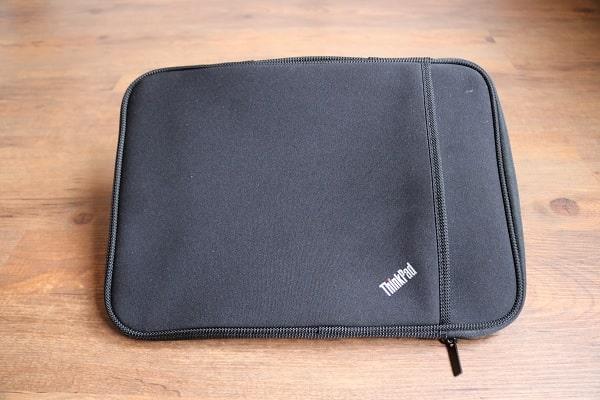 ThinkPad 13インチ スリーブケース 正面写真