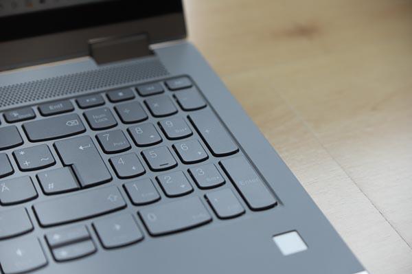 Lenovo IdeaPad Flex 550 15.6型(AMD Ryzen 5000シリーズ) のキーボード