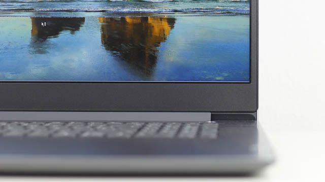Lenovo IdeaPad slim 360i 17 ベゼル