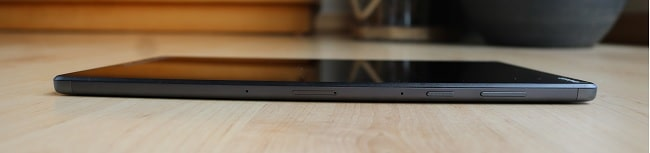 Lenovo tab M10 FHD Plus Gen 2の右側面インターフェイス