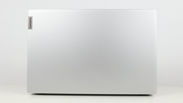 Lenovo Ideapad Slim 550 AMD Ryzen 5000シリーズ 天板