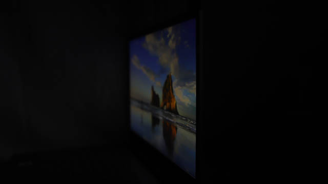Lenovo IdeaPad slim 360i 17 視野角チェック 横から