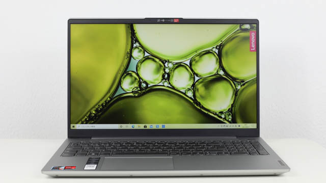 Lenovo Ideapad Slim 550 AMD Ryzen 5000シリーズ 正面
