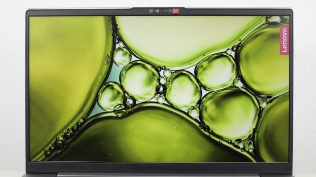 Lenovo Ideapad Slim 550 AMD 15のディスプレイ
