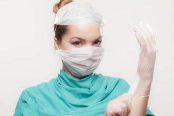 整形外科医・ばね指の治療・ステロイド注射を持っている