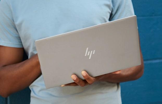 HP Envy 13-ba0000の外観・重さ