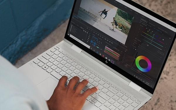 HP envy x360(インテル)の外観