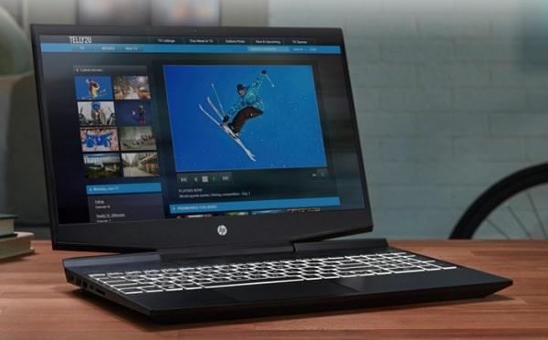 HP Pavilion 15-dk1000(2020年モデル)の外観・動画編集をしているところ