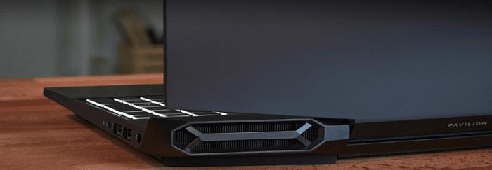 HP Pavilion Gaming 15(インテル)の外観・背面の排気口