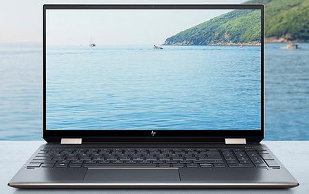 HP Spectre x360 15-eb1000のディスプレイ
