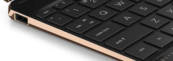 HP Spectre x360 14(2020年モデル・アッシュブラック) 左側面インターフェイス