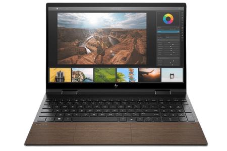 HP Envy x360 15-ed1000の外観 正面から