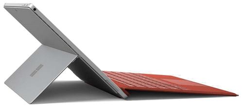 Microsoft Surface Pro 7の外観 左側面