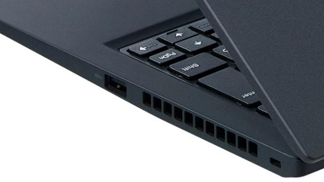 NEC Lavie Direct PM(X) 2021年夏モデルの右側面