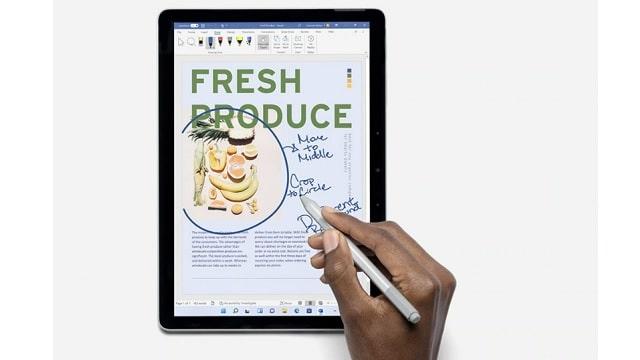 Surface Go 3 Wordにペンで書き込み