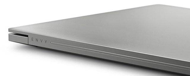 HP Envy 15-ep1000 背面ヒンジ部分
